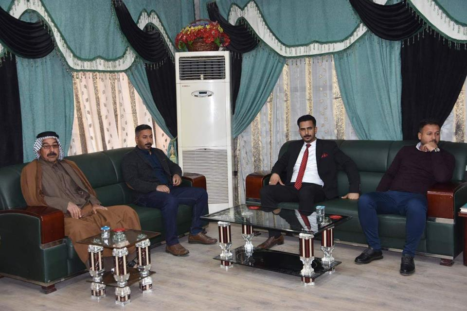 رئيس مجلس المحافظة يلتقي عددا من المواطنين في مكتبه الرسمي