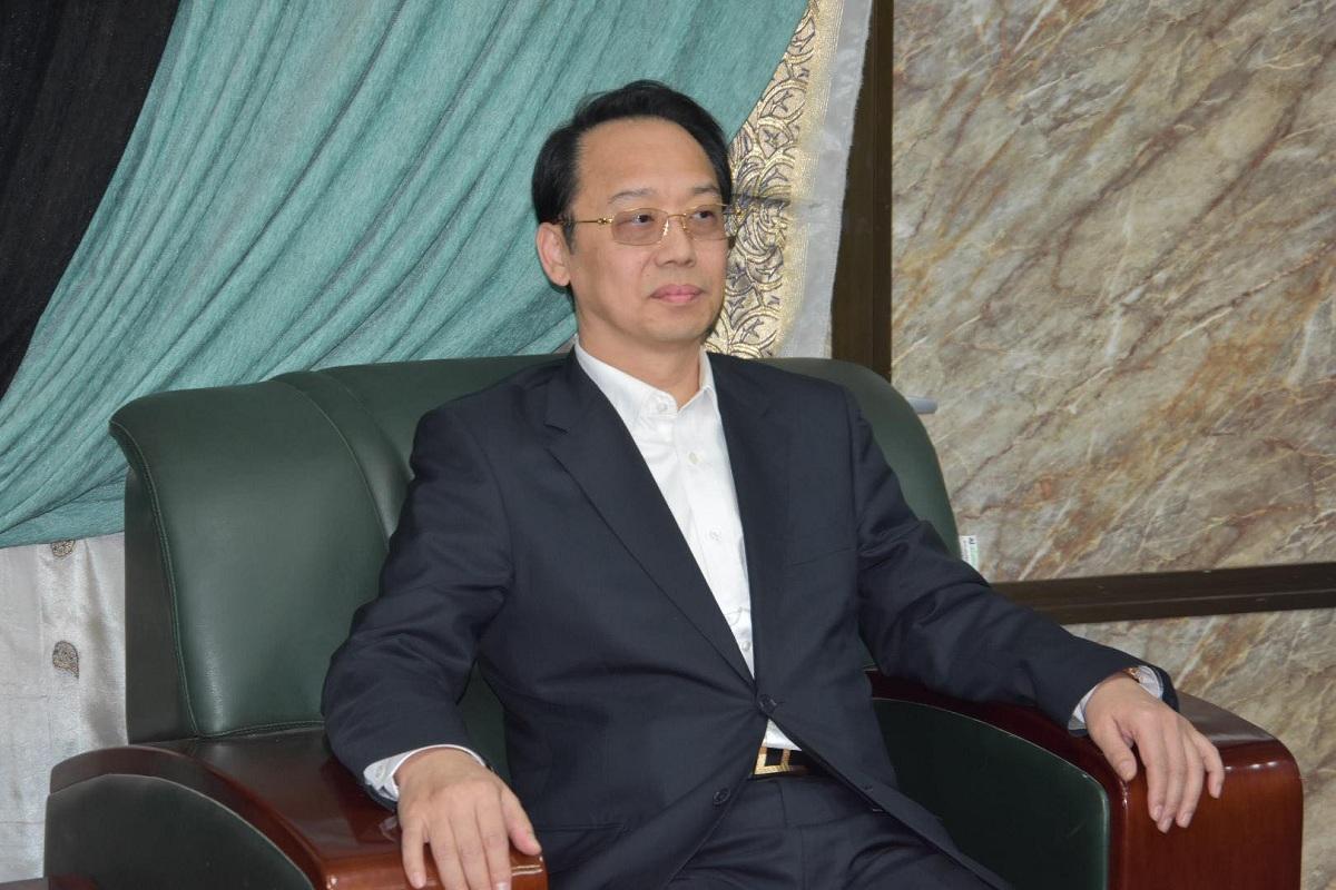 رئيس مجلس المحافظة يستقبل نائب الرئيس الصيني للشؤون الاقتصادية