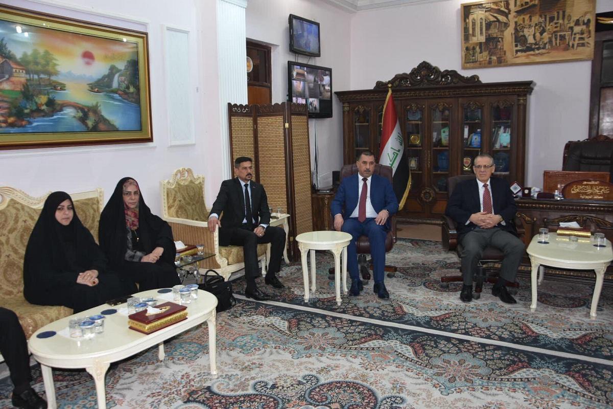 خلال استقباله وزير الصحة : رئيس مجلس المحافظة يطالب الوزارة باكمال مشاريعها الوزارية في المحافظة