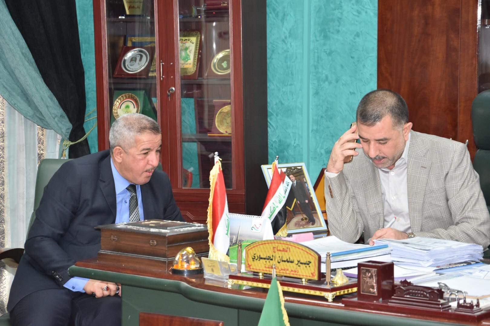 رئيس مجلس المحافظة يلتقي  عددا من المواطنين