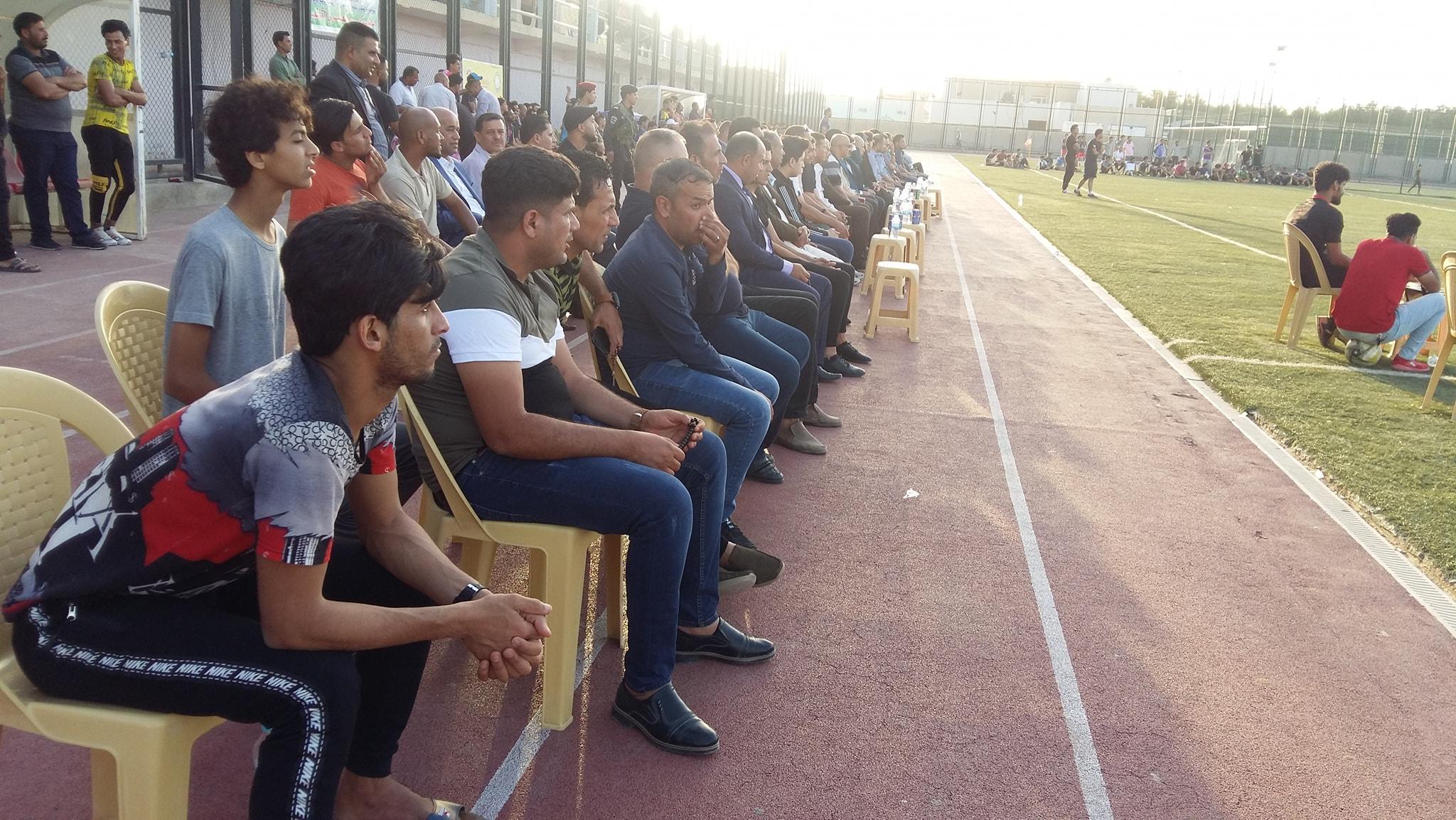 برعايته ودعماً منه للحركة الرياضية في المحافظة : رئيس مجلس المحافظة يحضر نهائي بطولة المحافظة للفرق الشعبية بكرة القدم