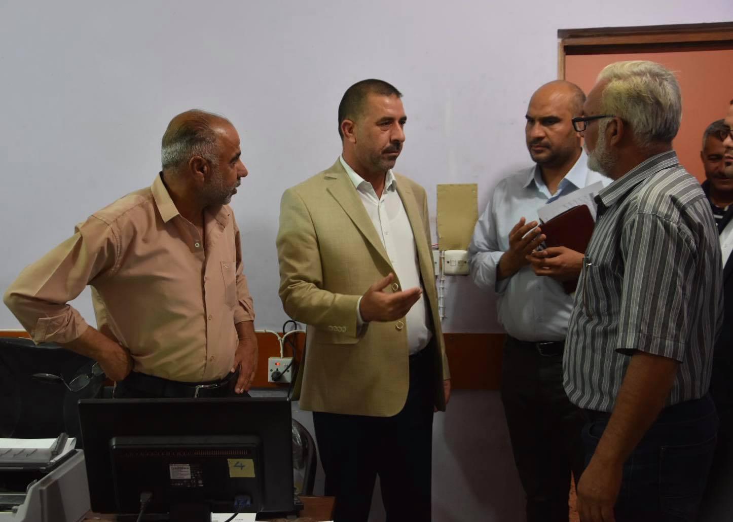 رئيس مجلس المحافظة يزور المجمع المخزني للحبوب ويتفقد سير العمل فيه