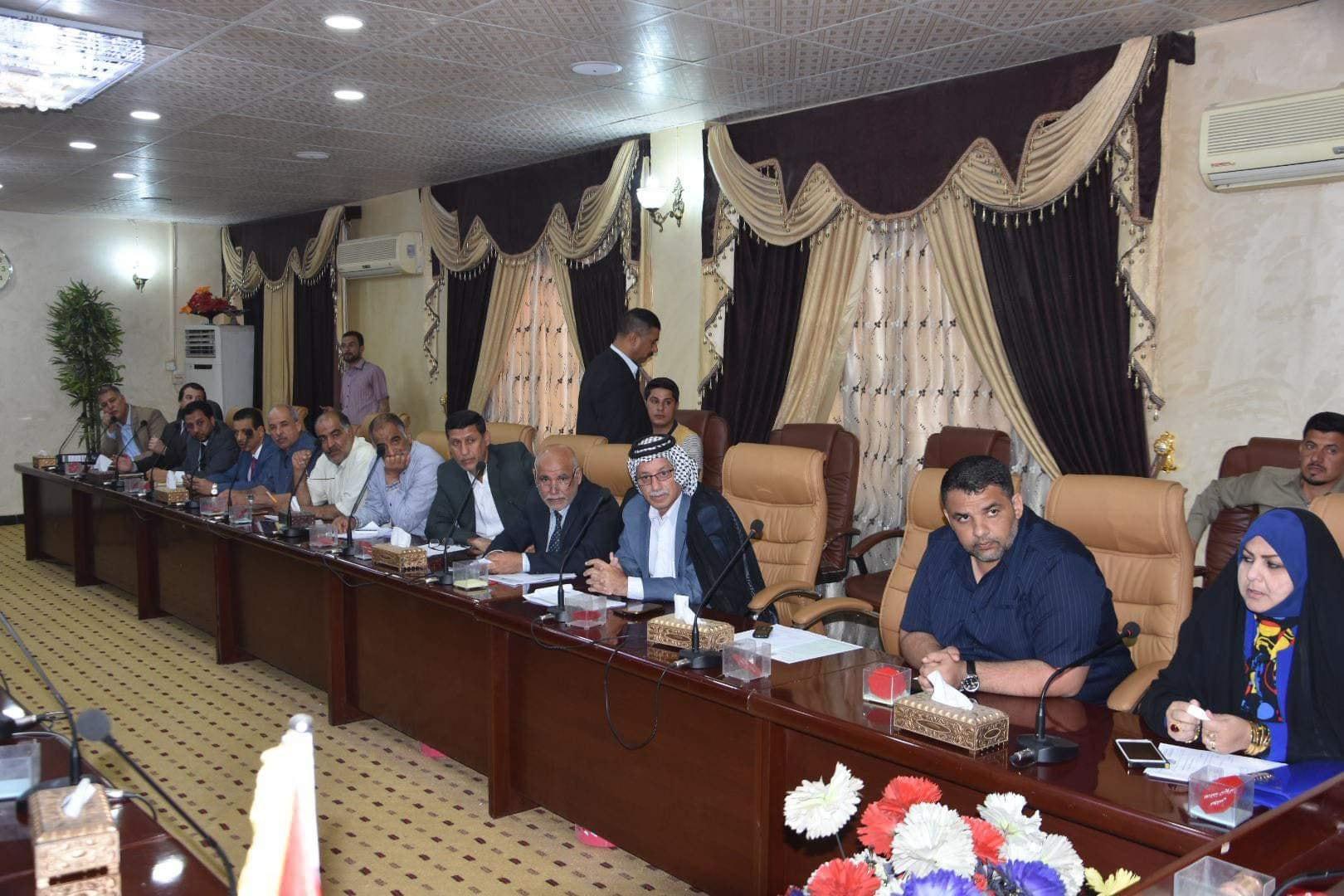بعد إرسال المحافظة خطة تنمية الأقاليم إلى مجلس المحافظة قبل أيام معدودات مجلس المحافظة يعقد اجتماع مع رؤوساء الوحدات الإدارية لمناقشة خطة تنمية الأقاليم لعام ٢٠١٩